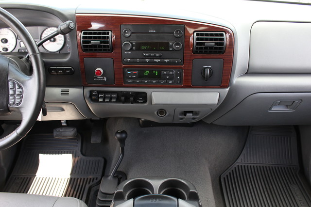 2006 Ford Super Duty F-550 DRW Lariat-BULLET-PROOFED-4X4 Mooresville , NC 19