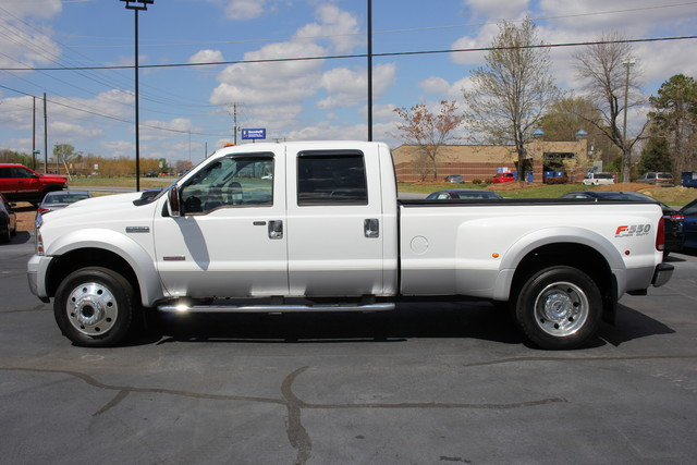 2006 Ford Super Duty F-550 DRW Lariat-BULLET-PROOFED-4X4 Mooresville , NC 3
