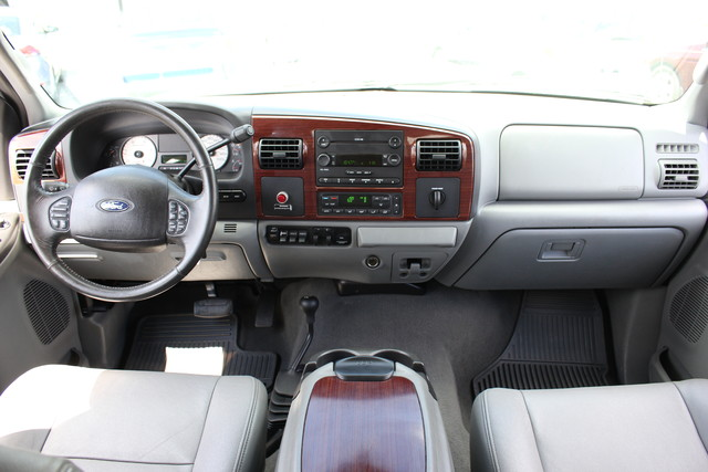 2006 Ford Super Duty F-550 DRW Lariat-BULLET-PROOFED-4X4 Mooresville , NC 17