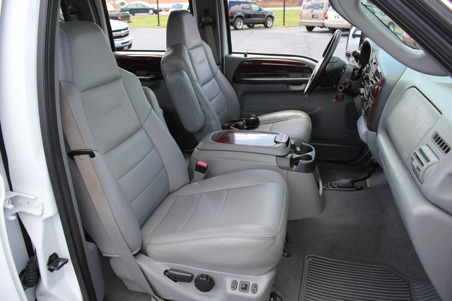 2006 Ford Super Duty F-550 DRW Lariat-BULLET-PROOFED-4X4 Mooresville , NC 34