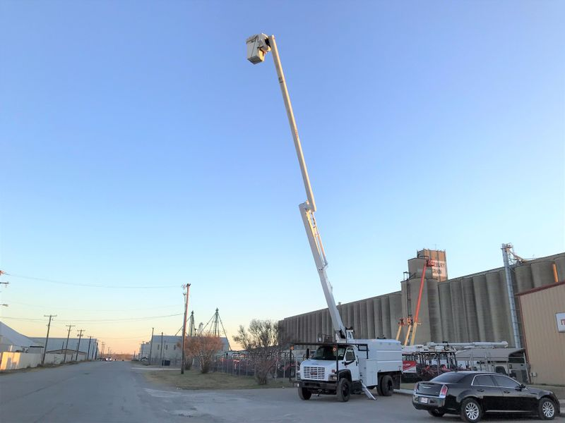 2006 GMC C7500 FORESTRY BUCKET TRUCK   city TX  North Texas Equipment  in Fort Worth, TX