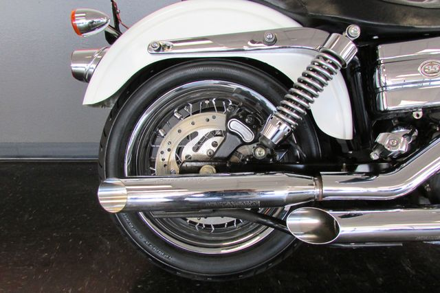 2006 Harley-Davidson Dyna Glide 35th Anniversary Super Glide® Arlington, Texas 10
