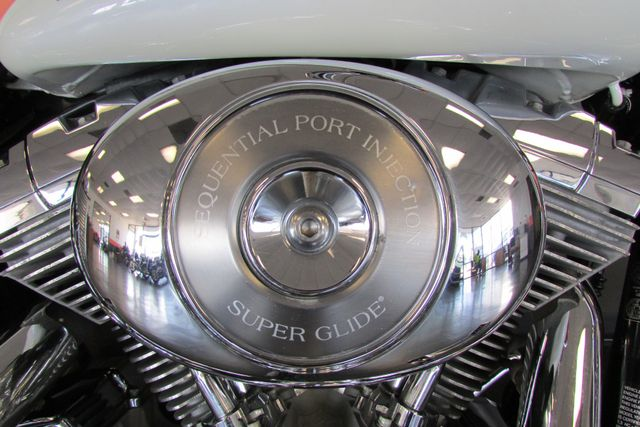 2006 Harley-Davidson Dyna Glide 35th Anniversary Super Glide® Arlington, Texas 16