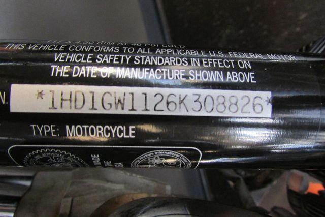 2006 Harley-Davidson Dyna Glide 35th Anniversary Super Glide® Arlington, Texas 18