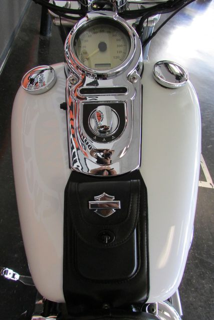 2006 Harley-Davidson Dyna Glide 35th Anniversary Super Glide® Arlington, Texas 20