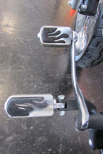 2006 Harley-Davidson Dyna Glide 35th Anniversary Super Glide® Arlington, Texas 30
