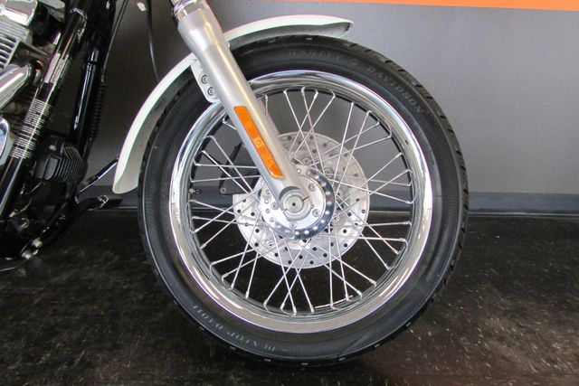 2006 Harley-Davidson Dyna Glide 35th Anniversary Super Glide® Arlington, Texas 6