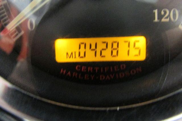2006 Harley-Davidson Dyna Super Glide® Arlington, Texas 23