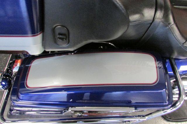 2006 Harley-Davidson Electra Glide® Classic Arlington, Texas 13