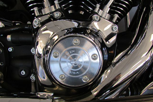 2006 Harley-Davidson Road King® Classic Arlington, Texas 18