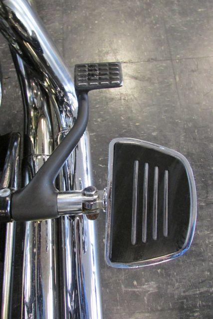 2006 Harley-Davidson Sportster® 1200 Custom Arlington, Texas 14