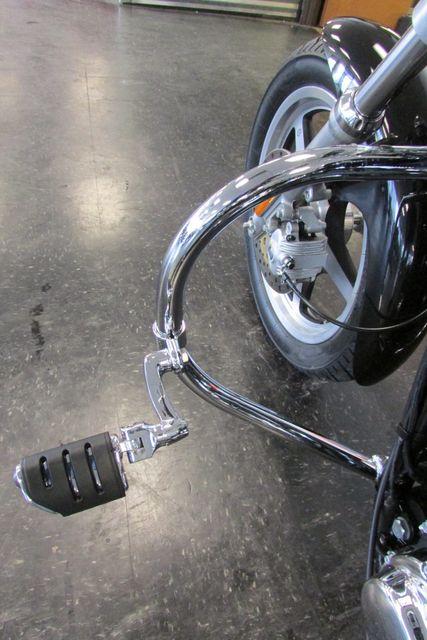 2006 Harley-Davidson Sportster® 1200 Custom Arlington, Texas 34