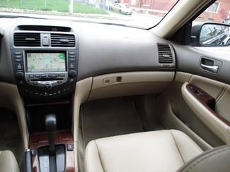 2006 Honda Accord EX-L V6 with NAVI Milwaukee, Wisconsin 13