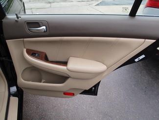 2006 Honda Accord EX-L V6 with NAVI Milwaukee, Wisconsin 18
