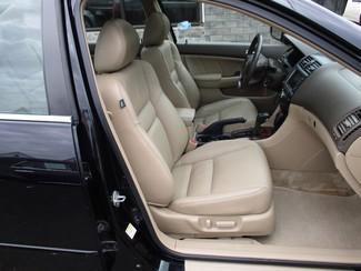 2006 Honda Accord EX-L V6 with NAVI Milwaukee, Wisconsin 20