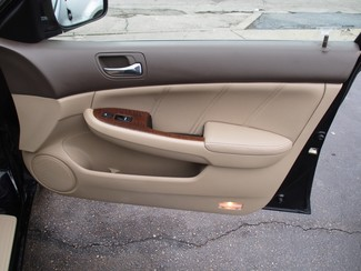 2006 Honda Accord EX-L V6 with NAVI Milwaukee, Wisconsin 21