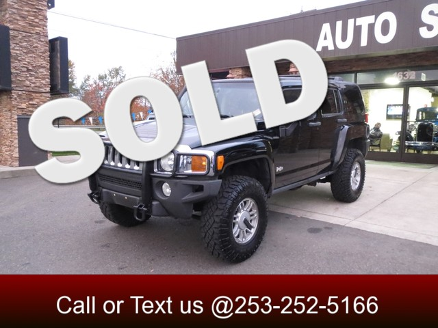2006 Hummer H3 4WD Do you spend your weekends offroad Do you like finding that camping spot that