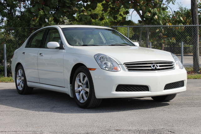 2006 Infiniti G35  WARRANTY CARFAX CERTIFIED AUTOCHECK CERTIFIED 1 OWNER 3 SERVICE RECORDS
