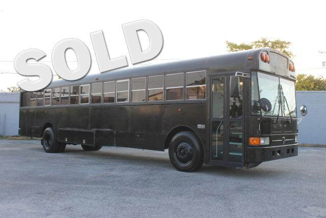 2006 International 3000 32 Passenger Bus  CARFAX CERTIFIED 32 PASSENGER SEATS FLORIDA VEHICLE