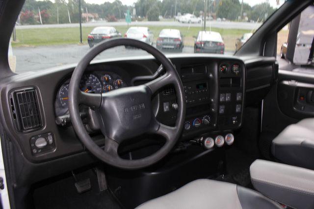 2006 Isuzu HVR HTR 6500 (KODIAK/TOPKICK) Crew Cab - HAULER Mooresville , NC 35