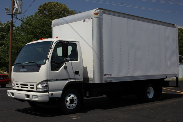 2006 Isuzu NPR DSL Box Truck-Straight Truck Mooresville , NC 2