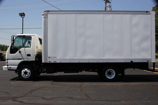 2006 Isuzu NPR DSL Box Truck-Straight Truck Mooresville , NC 3