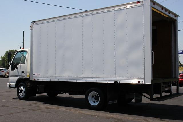 2006 Isuzu NPR DSL Box Truck-Straight Truck Mooresville , NC 4