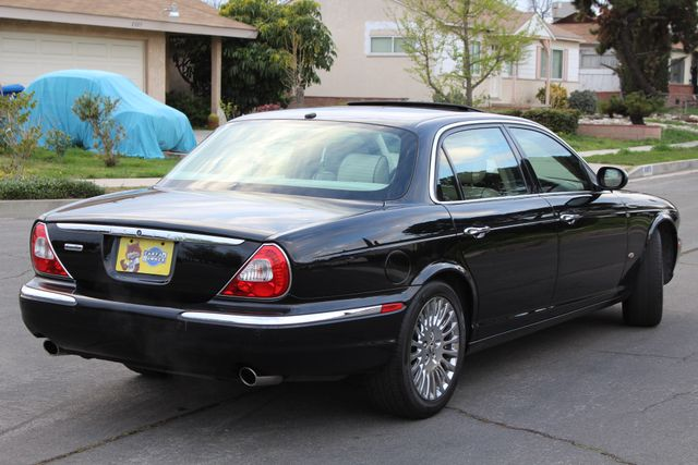 "2006 Jagar XJ VANDEN PLAS NAVIGATION 19"" ALLOY WHLS SERVICE RECORDS XENON LEATHER Woodland Hills, CA 7"