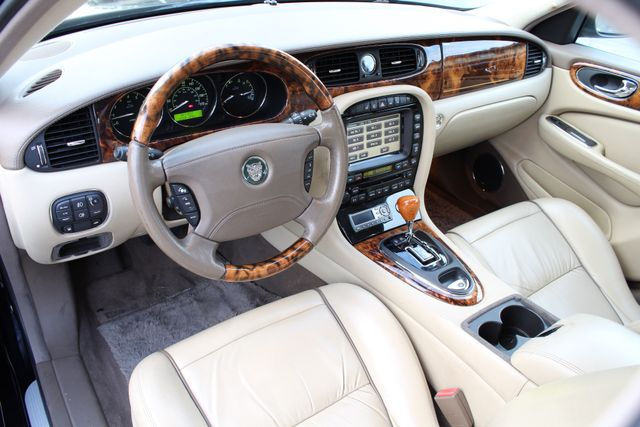 "2006 Jagar XJ VANDEN PLAS NAVIGATION 19"" ALLOY WHLS SERVICE RECORDS XENON LEATHER Woodland Hills, CA 16"