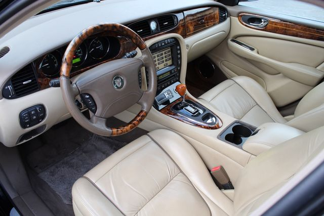 "2006 Jagar XJ VANDEN PLAS NAVIGATION 19"" ALLOY WHLS SERVICE RECORDS XENON LEATHER Woodland Hills, CA 18"