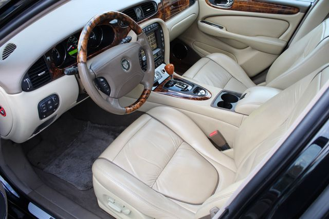 "2006 Jagar XJ VANDEN PLAS NAVIGATION 19"" ALLOY WHLS SERVICE RECORDS XENON LEATHER Woodland Hills, CA 19"