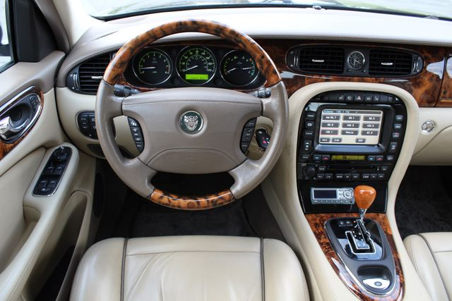 "2006 Jagar XJ VANDEN PLAS NAVIGATION 19"" ALLOY WHLS SERVICE RECORDS XENON LEATHER Woodland Hills, CA 30"