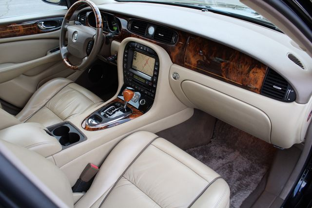 "2006 Jagar XJ VANDEN PLAS NAVIGATION 19"" ALLOY WHLS SERVICE RECORDS XENON LEATHER Woodland Hills, CA 31"