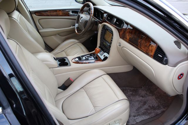 "2006 Jagar XJ VANDEN PLAS NAVIGATION 19"" ALLOY WHLS SERVICE RECORDS XENON LEATHER Woodland Hills, CA 33"