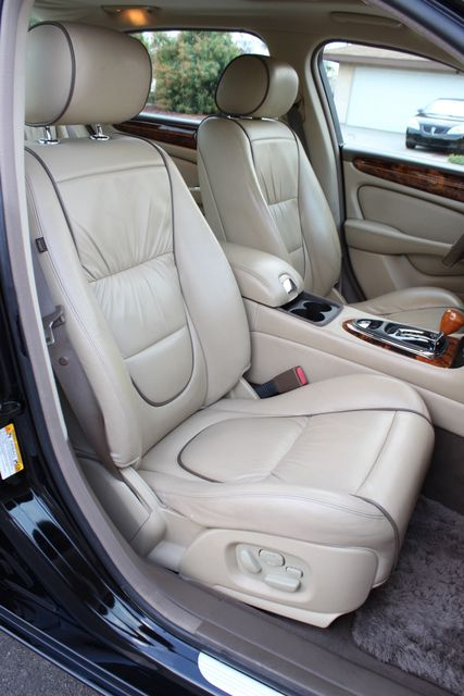 "2006 Jagar XJ VANDEN PLAS NAVIGATION 19"" ALLOY WHLS SERVICE RECORDS XENON LEATHER Woodland Hills, CA 32"