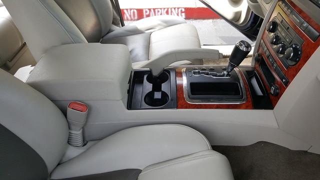 2006 Jeep Commander Limited Arlington, Texas 22