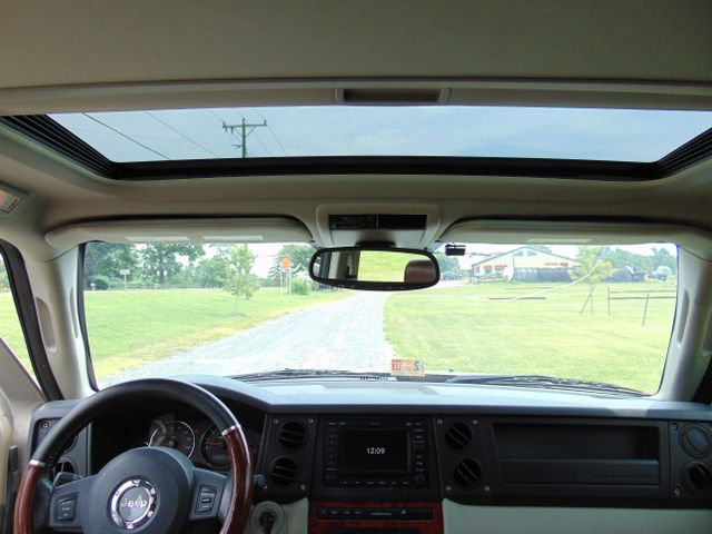 2006 Jeep Commander Limited 4X4 Leesburg, Virginia 36
