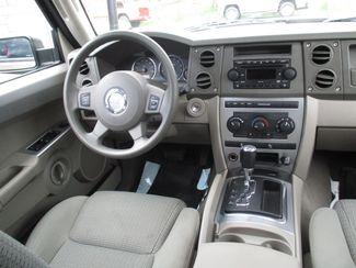 2006 Jeep Commander Milwaukee, Wisconsin 13