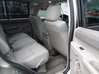 2006 Jeep Commander Milwaukee, Wisconsin 18