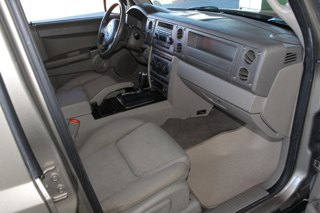 2006 Jeep Commander RWD - 3RD ROW - REAR AIR! Mooresville , NC 29