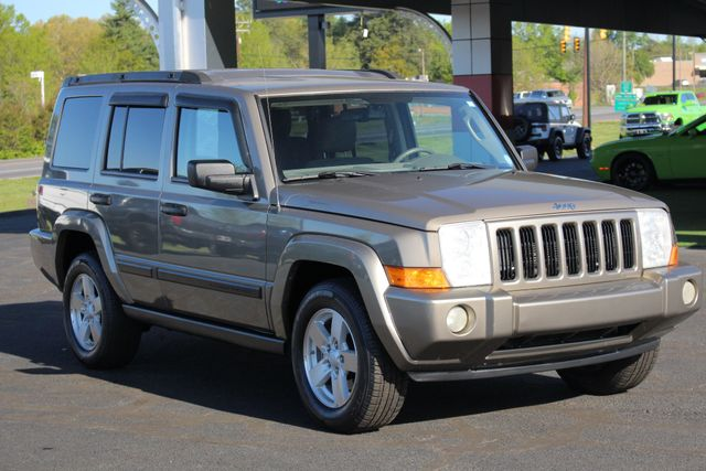 2006 Jeep Commander RWD - 3RD ROW - REAR AIR! Mooresville , NC 20