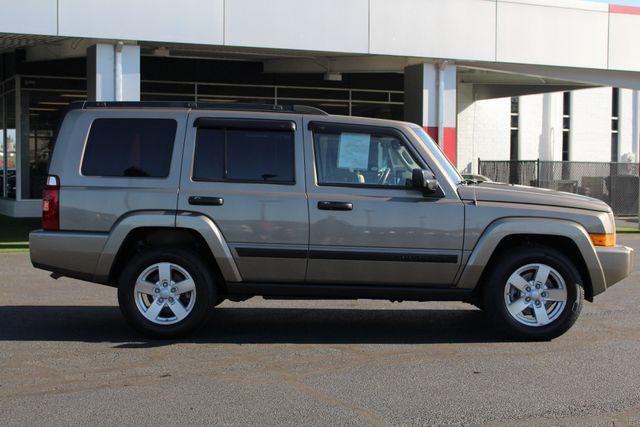 2006 Jeep Commander RWD - 3RD ROW - REAR AIR! Mooresville , NC 13