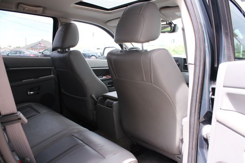2006 Jeep Grand Cherokee Limited  Lake Bluff IL  Executive Motor Carz  in Lake Bluff, IL