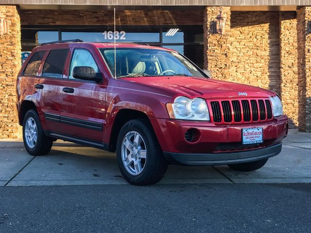 2006 Jeep Grand Cherokee Laredo Red 2006 Jeep Grand Cherokee Laredo 4WD 5-Speed Automatic 37L V6