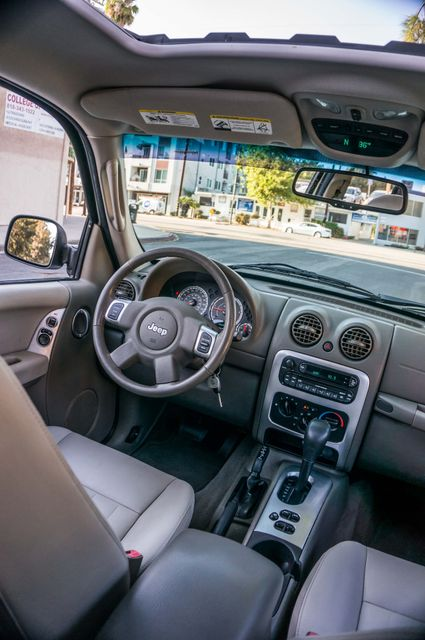 2006 Jeep Liberty Limited - Diesel - Leather - 4WD Reseda, CA 34