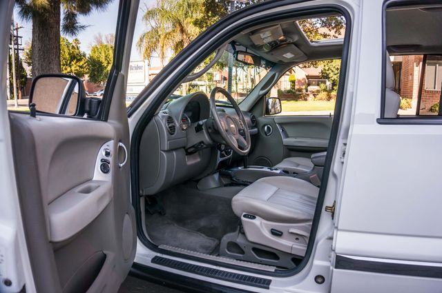 2006 Jeep Liberty Limited - Diesel - Leather - 4WD Reseda, CA 11