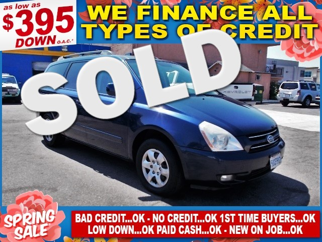 2006 Kia Sedona EX Limited warranty included to assure your worry-free purchase AutoCheck report