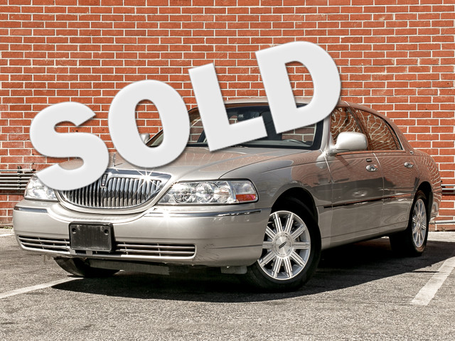 2006 Lincoln Town Car Signature Limited Burbank, CA 0