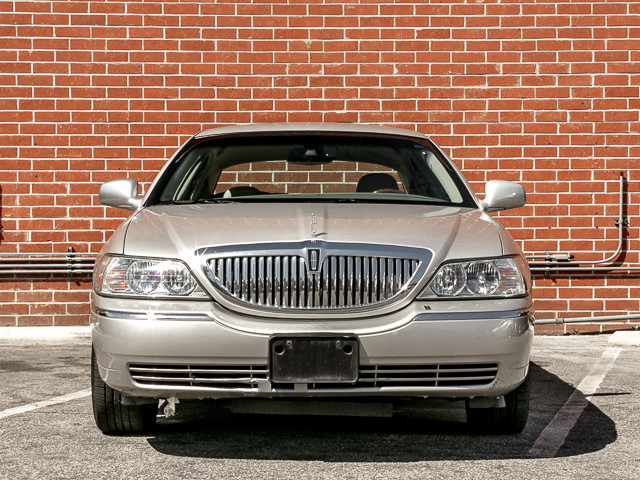 2006 Lincoln Town Car Signature Limited Burbank, CA 1