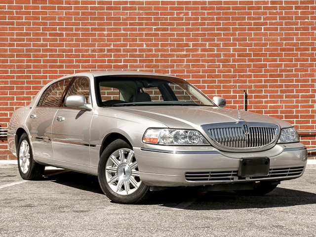2006 Lincoln Town Car Signature Limited Burbank, CA 2